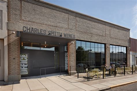 Overhead Door Walla Walla Kundig Converts Auto Garage Into Charles Smith S Tasting Room In Walla Walla Washington