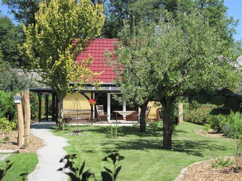 ferienhaus mit eingezäuntem garten romantisches ferienhaus am wasser burg spreewald