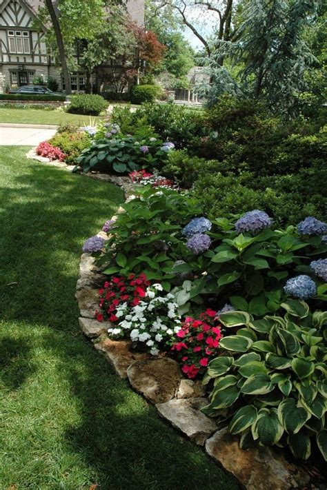 front flower bed ideas best 20 front flower beds ideas on pinterest