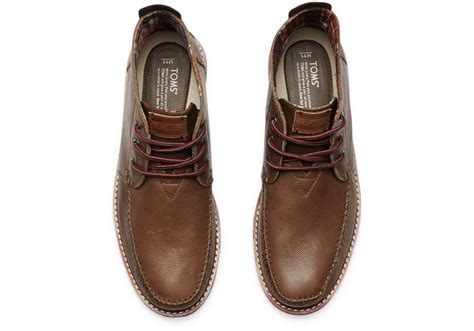 toms chocolate leather s chukka boots in brown for
