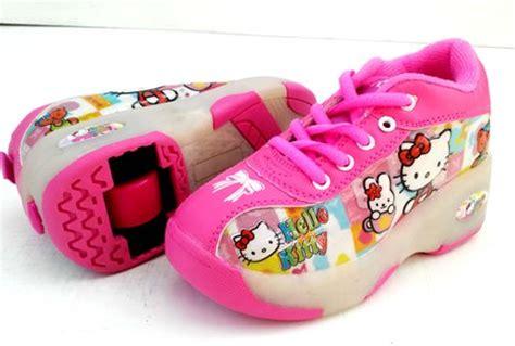 Sepatu Roda Anak Perempuan Hello model sepatu sekolah anak perempuan hello terbaru