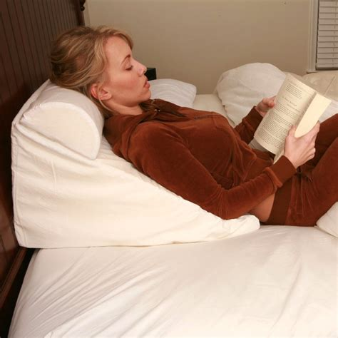 pillow for sitting up in bed sitting in bed pillow bed wedge pillow 187 gadget flow love to read or watch tv in