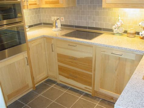 Handmade Kitchens Glasgow - fitted kitchens for small spaces interior design ideas