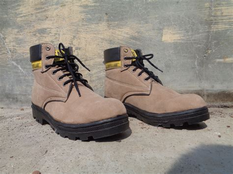 Sepatu Caterpillar New Bromo Suede best deals safety shoes boots suede safety jogger