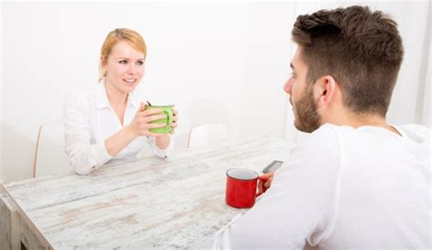 how to comfort your girlfriend 10 tips on how to comfort your girlfriend new love times