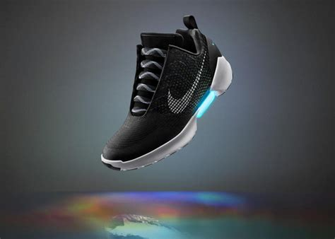 Sepatu New Debuts Hyperadapt 1 0 Air Mag Black White nike hyperadapt 1 0 debuts with power laces