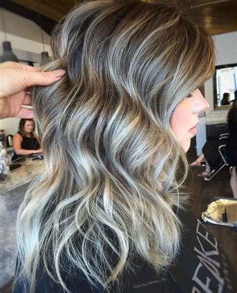 white highlights to blend in gray hair 25 best ideas about silver highlights on pinterest