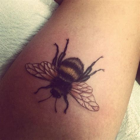 bees knees tattoo best 20 bee meaning ideas on bee