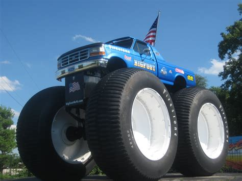 biggest bigfoot monster truck the list 0555 drive a monster truck monster trucks