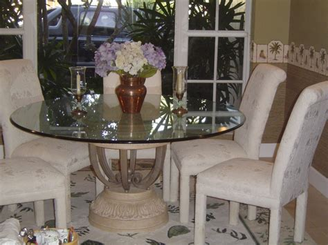 Glass Centerpieces For Dining Room Tables Transparent Glass Dining Room Table Base With White Centerpiece Homes Showcase