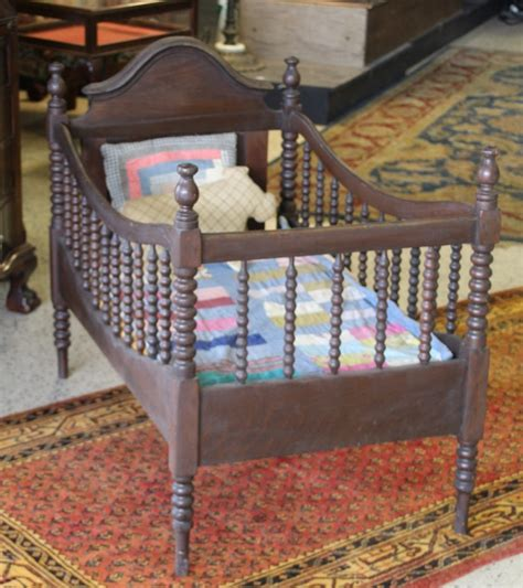 Antique Style Baby Cribs by Antique Baby Bed Spool Crib
