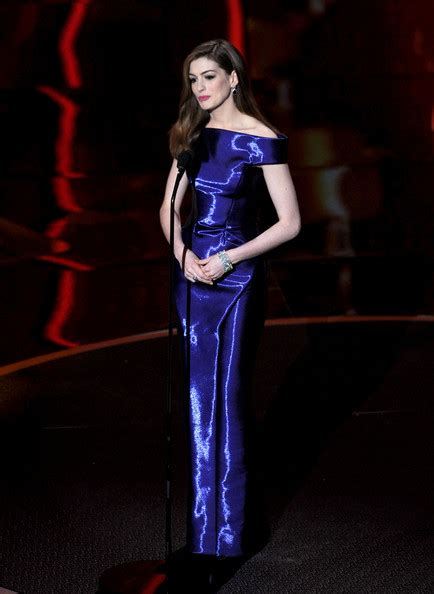 Giorgio Armani And The Annual Academy Awards by Hathaway S Bold Blue Armani Priv 233 Gown Oscars Best