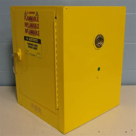 Justrite Flammable Liquid Storage Cabinet Refurbished Justrite 25040 Flammable Liquid Storage Cabinet