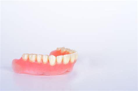 Berapa Pemutih Gigi by Berapa Lama Gigi Palsu Bisa Digunakan Hello Sehat