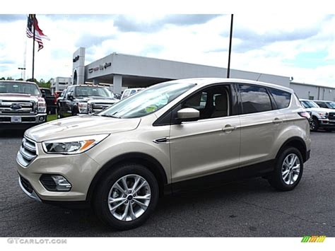 White Gold Photos by 2017 White Gold Ford Escape Se 112800938 Photo 3