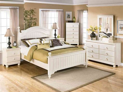 White And Wood Bedroom Furniture by White Bedroom Furniture Sets Raya Furniture