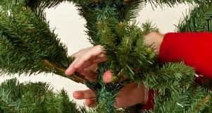 what is fluffing a christmas tree how to shape an artificial tree northpoledecor