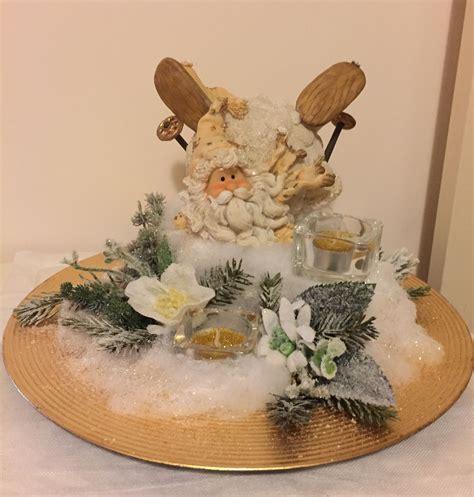 Composizioni Di Natale Con Candele - centrotavola realizzato con babbo natale di resina fiori