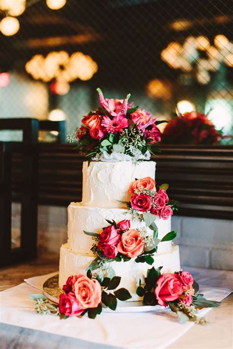 Pictures Of Wedding Cakes With Flowers by 334 Best Images About Wedding Cakes White On