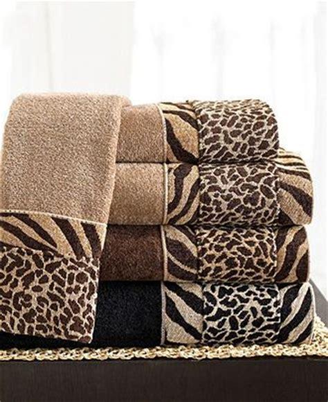 Animal Print Bathroom Ideas by Best 25 Safari Bathroom Ideas On Cheetah