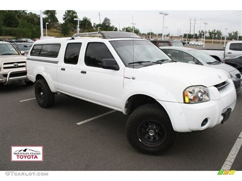 white nissan frontier 2004 avalanche white nissan frontier xe v6 crew cab 4x4
