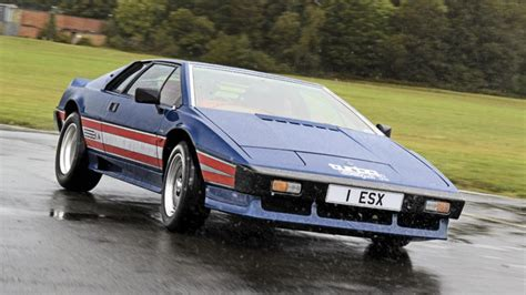 Hammond drives the icons: Lotus Esprit   Top Gear
