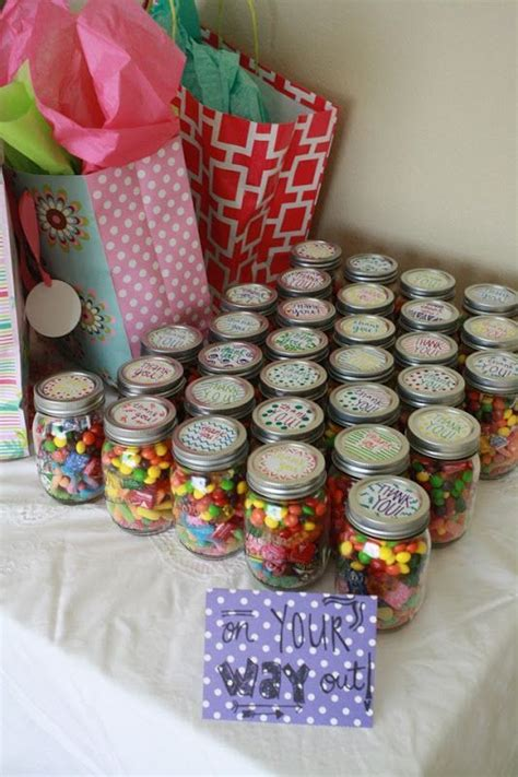 Baby Shower Favors For Guests by Best 20 Baby Shower Monkey Ideas On Monkey