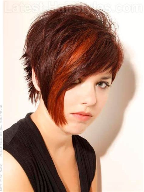 can hair be angled away from the face 20 must have haircuts for round faces