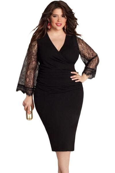 flattering delicate lace bell sleeves  size