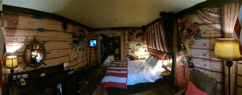 themed hotels new england fully themed pirate room picture of legoland resort