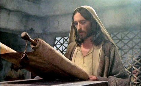 portraits of jesus a reading guide books jesus reading scroll bible for powerpoints