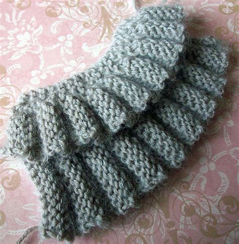 knitted cast on middle of row row and rows of ruffles tutorial creative knitting