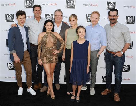 8 In 1 Family modern family renewed for seasons 9 10