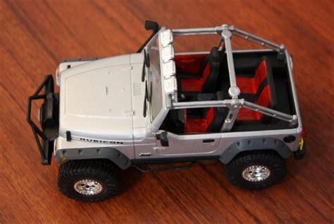 imagevenue comgal polar lights 1 35 polar lights tomb raider jeep by rowan pugh