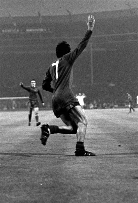 Mu Retro Wembly 23 best images about mufc george best on legends santiago and the