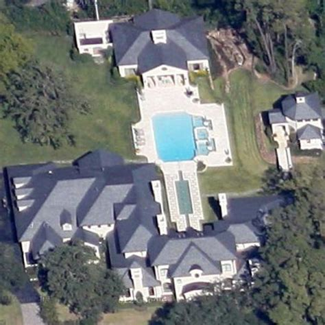 pictures of joel osteen house celebrity homes pictures maps of celeb houses virtual globetrotting