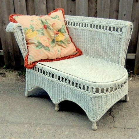 Wicker Fainting by Vintage 1940 S Wicker Chaise Loung Chair Seat