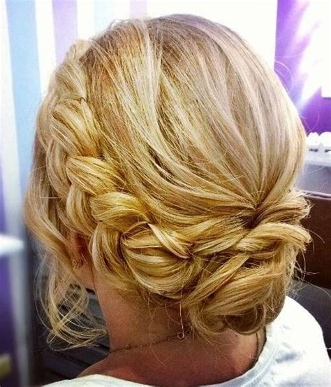 20 Super Chic Hairstyles for Fine Straight Hair   Messy updo, Medium hair and Updo