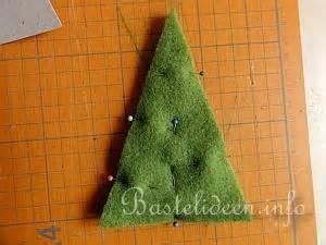 bastelanleitung kleiner weihnachtsbaum aus filz