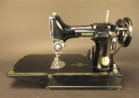 vintage singer featherweight 221 sewing machine sews vintage 1948 singer featherweight 221 1 sewing machine