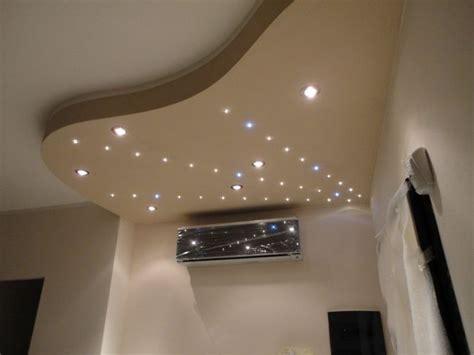 controsoffitte con faretti un modo creativo e moderno di illuminare la tua stanza con
