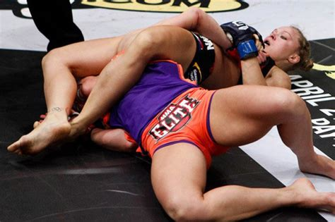 mma women fighters wardrobe malfunctions ufc women camel toe curse ronda rousey among victims of