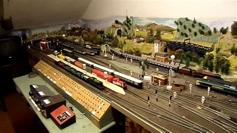 oo layout youtube oo gauge attic layout revival running shunter pullman