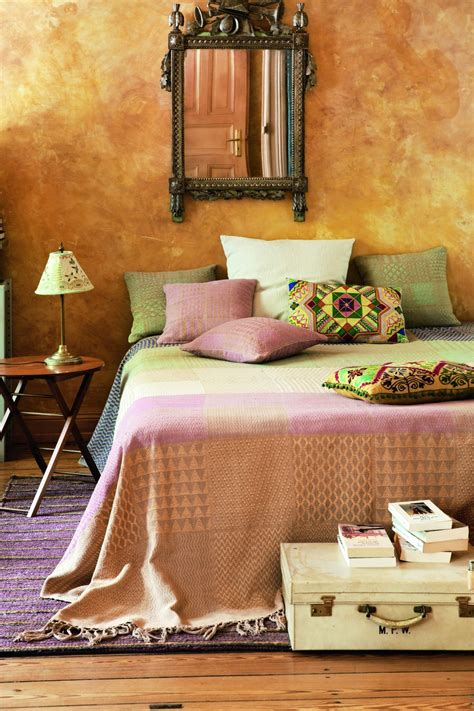 mediterranes schlafzimmer mediterranes schlafzimmer mit goldener wand bauemotion de