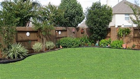 backyard landscaping ideas along fence landscaping along a fence motavera com