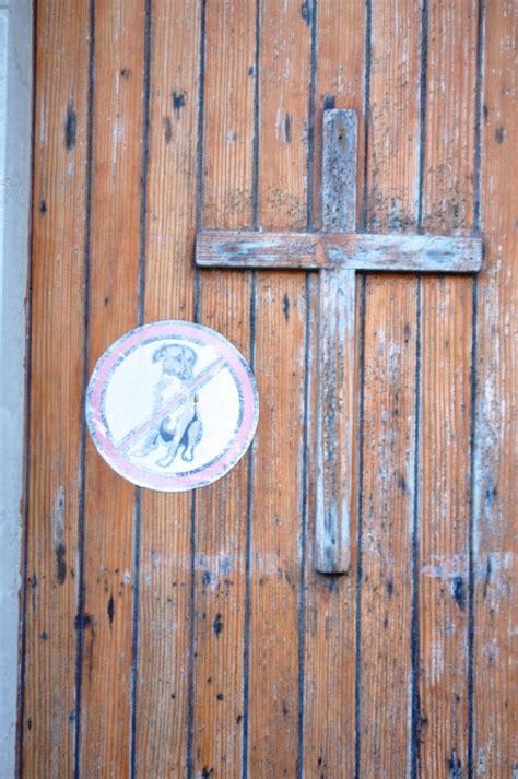 vietato l ingresso ai cani a punta secca vietato l ingresso ai cani in chiesa santa