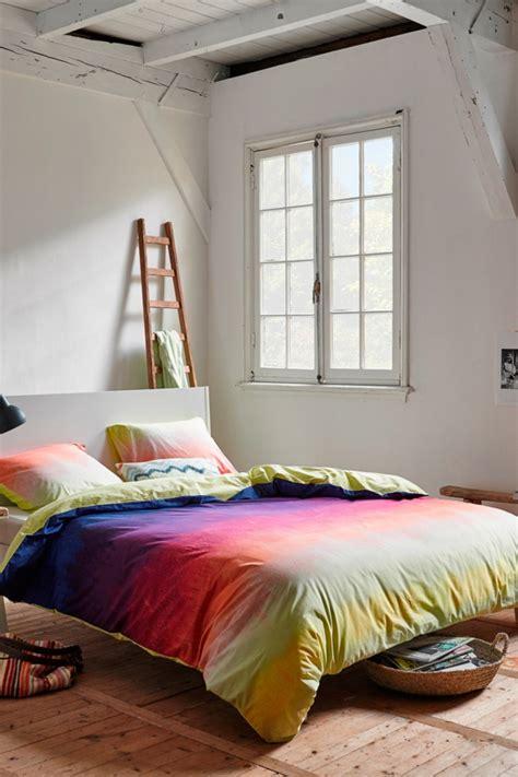 bettdecke grün schlafzimmer einrichten mit farben