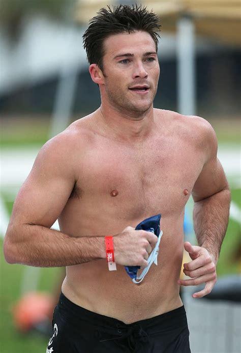 30 insane celeb beach photos scott eastwood goes shirtless at triathlon in miami