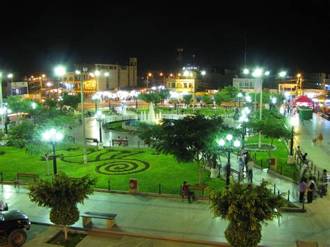 Superb 100 Garden City Plaza #4: Nasca_main_square_garden.jpg
