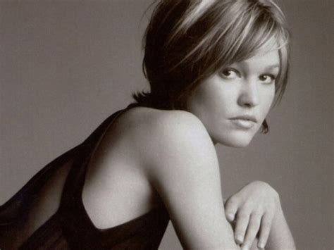 julia stiles images julia stiles wallpaper photos 205927